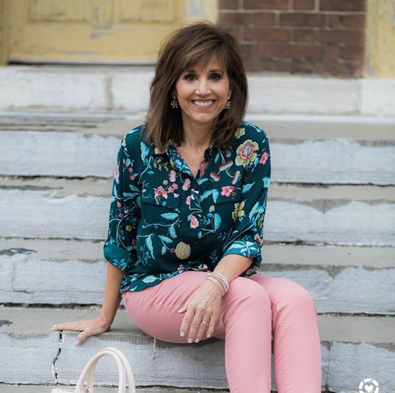 Sundays Insta-spiration from instagram is Cyndi Spivey @graceandbeauttystyle Cyndi styles the latest trends in a classy and upbeat way. She places as much emphasis on what is being worn in the heart as she does what is used for adornment