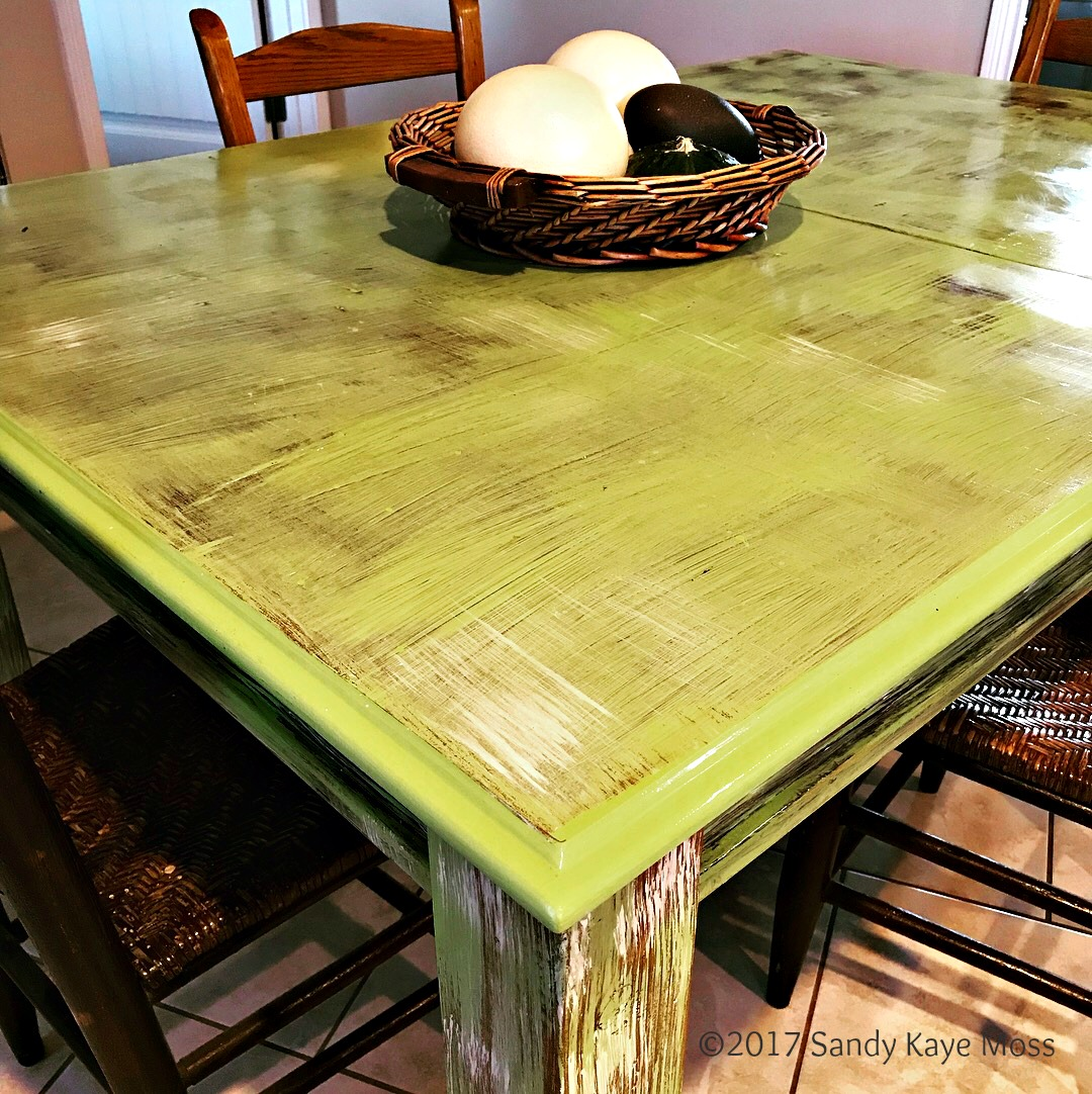 Fnnky Green Art table