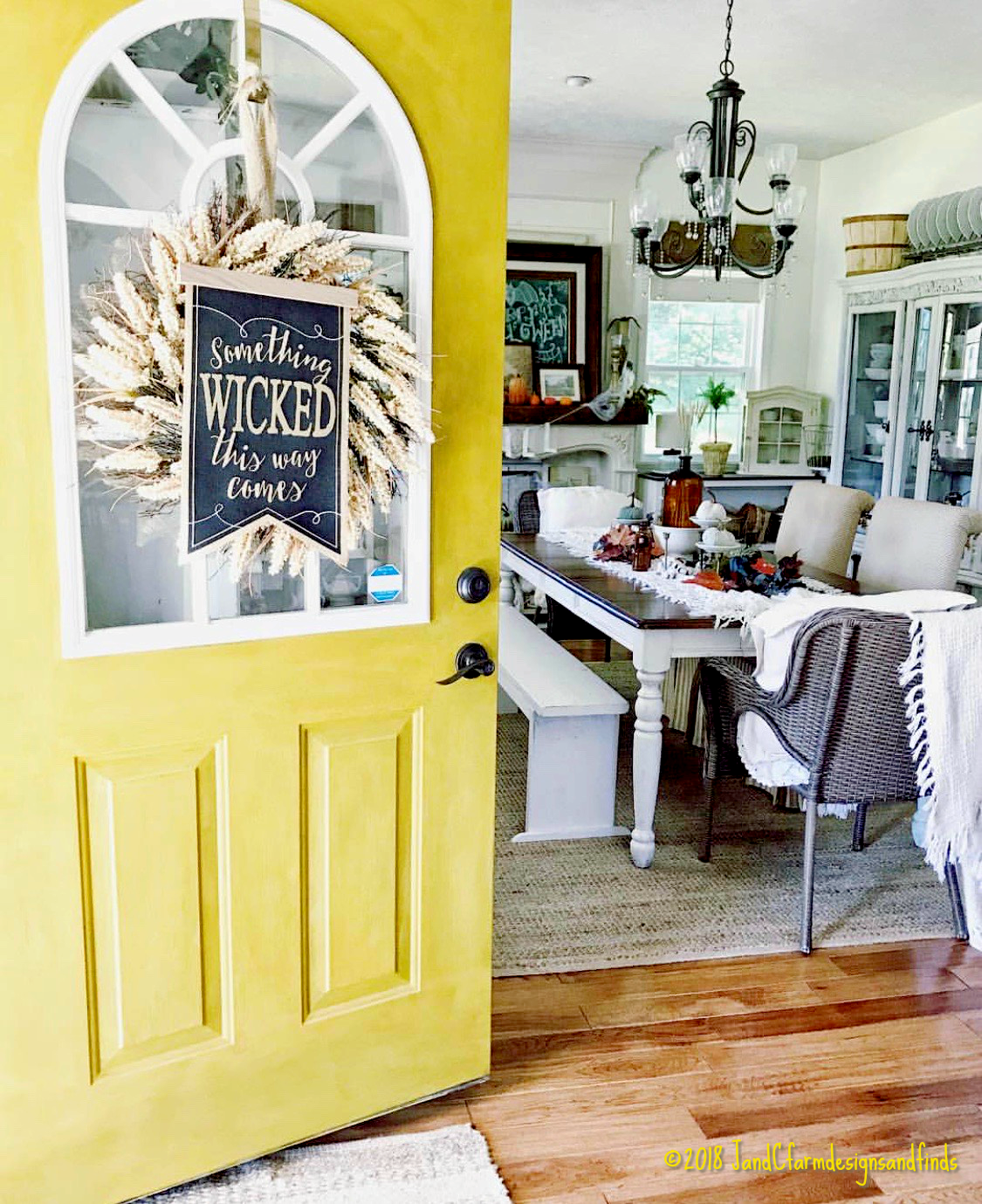 Yellow door,Welcome home, Farmhouse table, Something wicked this way comes, Instagram inspiration that stopped my scroll | www.sandykayemoss.com